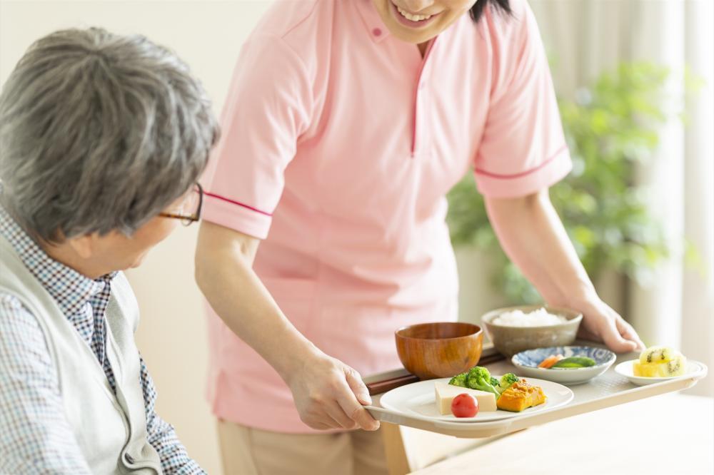 《沼津市》病院内でお食事の配膳◎未経験から始められます!