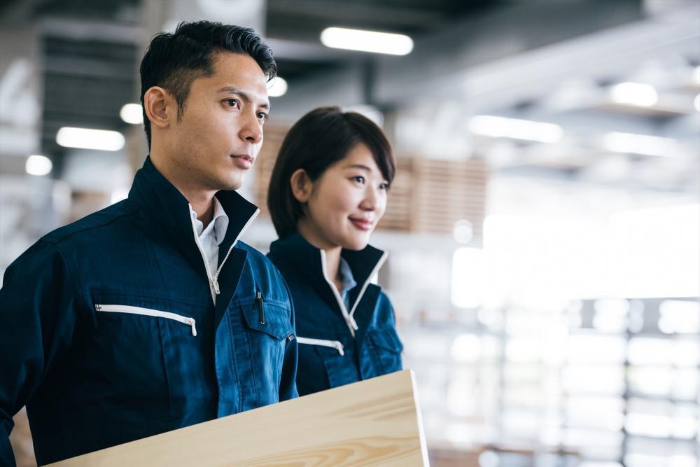 30~40代男性活躍中:物流センターでの事務業務【袋井】
