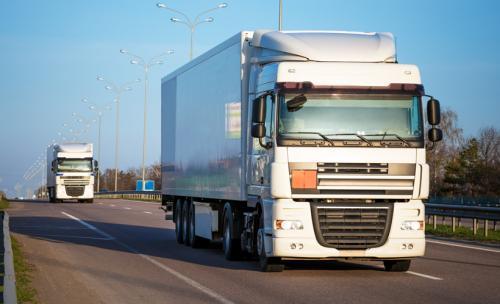 トラック運転手(ドライバー)の仕事内容とは?給与面や向いている人などを徹底解説!