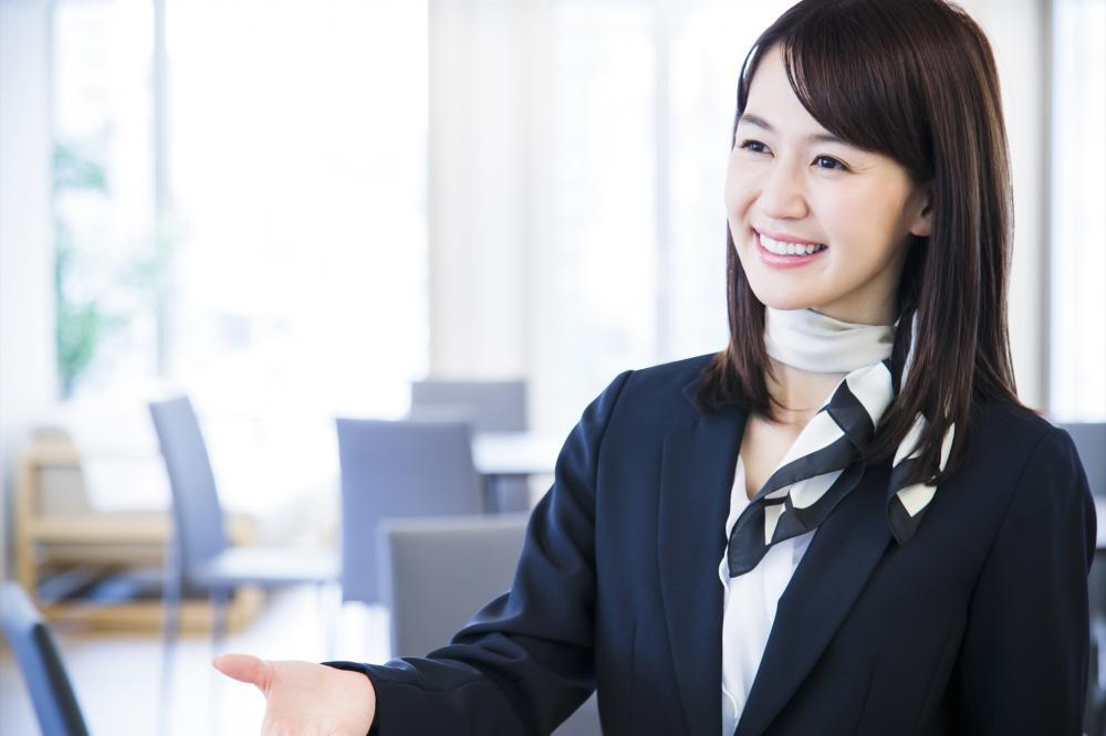 静岡街中 高時給 コミュニケーションスペースでの受付案内業務