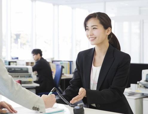 【藤枝市】金融機関窓口業務/土日祝日休み