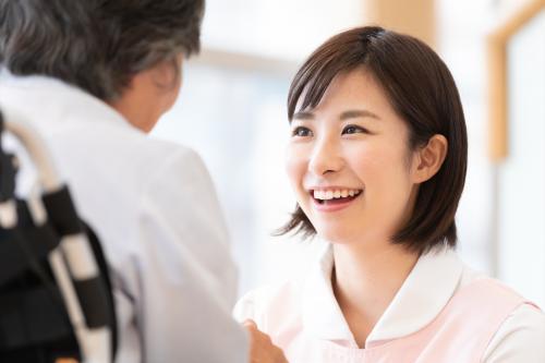 【正社員も目指せる】資格取得制度あり働き方選べる介護職