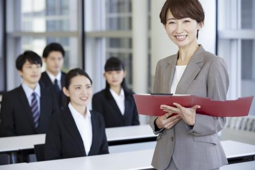 沼津市【職業訓練校の運営】訓練生の管理/受付/事務