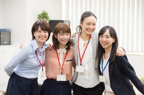 【静岡街中】保険会社◆サービスサポートスタッフ◆