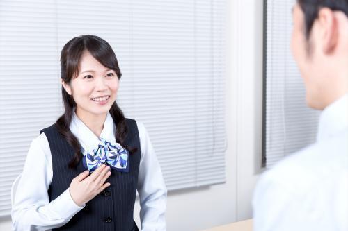 時給1200円:自動車学校受付業務~30・40代女性活躍中