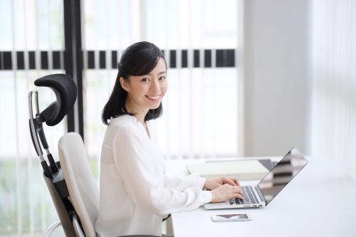 ◎1日3時間勤務+週2日◎扶養内バッチリ【中区】大学事務