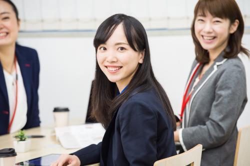 \受付事務のお仕事/交通費全額支給【百道浜】