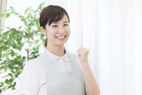 【街中】軽作業/病棟の環境整備スタッフ/土日祝休み