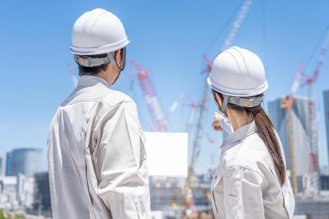 50~60代活躍!◇月収35万~◇建築現場での施工管理業務