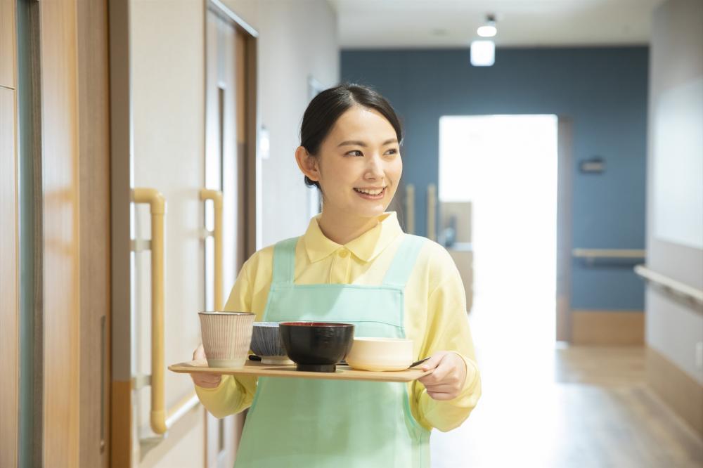 【焼津市】短時間1日2.5時間/病棟での配膳業務/シフト制